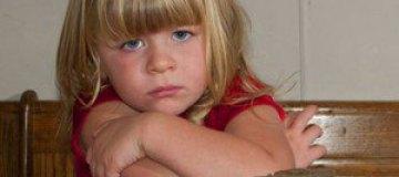 В США девочка с извращенным аппетитом ест кирпичи и лампочки