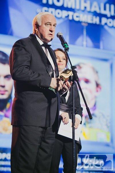 Одну из наград вручал Валерий Пустовойтенко