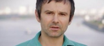 """Вакарчук записал кавер на песню """"Мовчати"""" в честь Кузьмы Скрябина"""