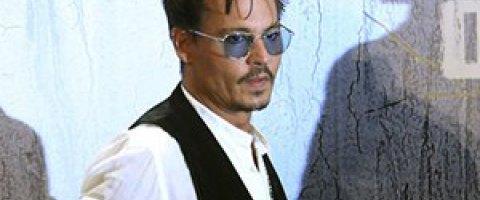 Джонни Депп прервал гастроли из-за тяжелой болезни сына