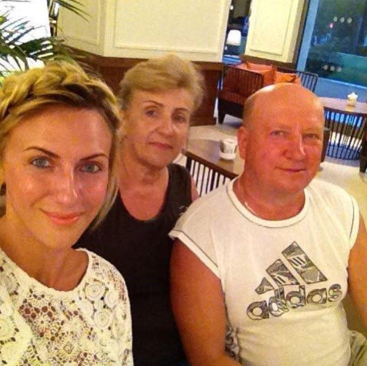 Леся Никитюк с родителями