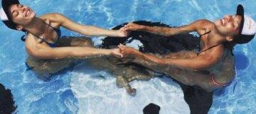 Счастливы вместе: Регина Тодоренко и Алина Астровская наслаждаются отдыхом на Бали