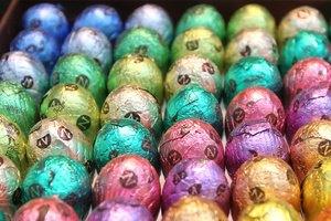 Власти Брюсселя спрятали в парках 500 тыс. шоколадных яиц