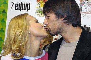 Супруга Шовковского призывает болеть элегантно