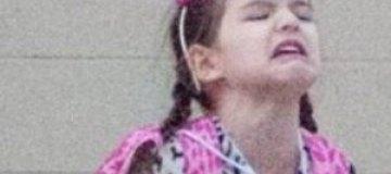 Дочь Тома Круза закатила истерику на улице