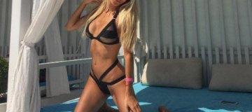 Звезды отдыхают: лучшие бикини страны на клубном пляже Одессы