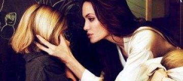 Анджелина Джоли с дочерьми в Vanity Fair