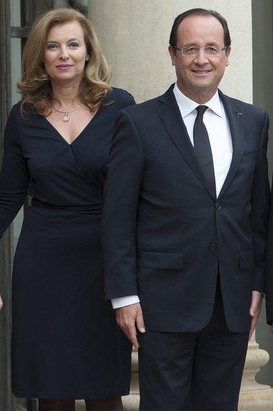 Президент Франции Франсуа Олланд с гражданской женой Валери Триервейлер