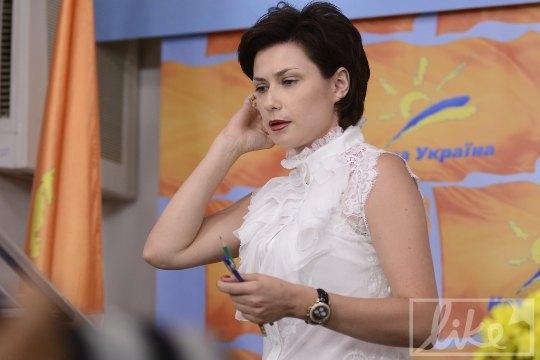 Ирина Ванникова на пресс-конференции Виктора Ющенко