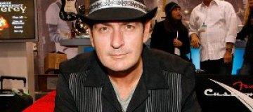 В нью-йоркском стрипклубе закрыли комнату имени Чарли Шина