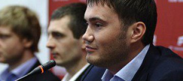 Виктор Янукович засветил часы Ferrari