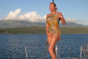 """Волочкова снова выложила в блоге свои """"голые"""" фото"""