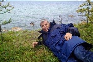 Олег Газманов нашел на Байкале тиранозавра