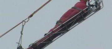 На учениях во Владивостоке сотрудники МЧС спасли плюшевого тигра