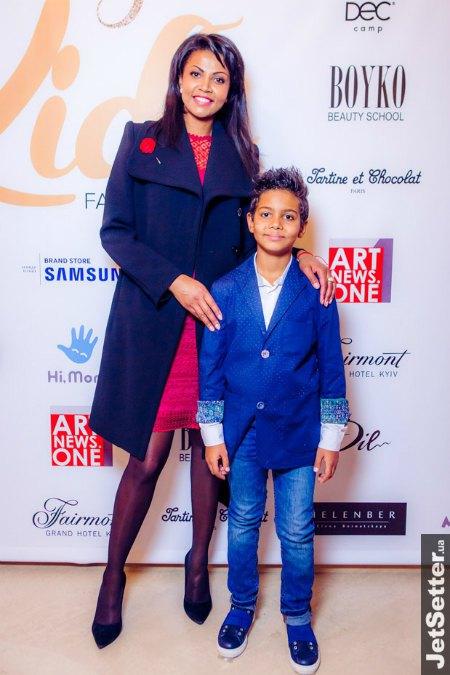 Телеведущая Габриэла Масанга с сыном