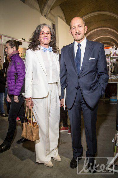 Посол Испании в Украине (справа)