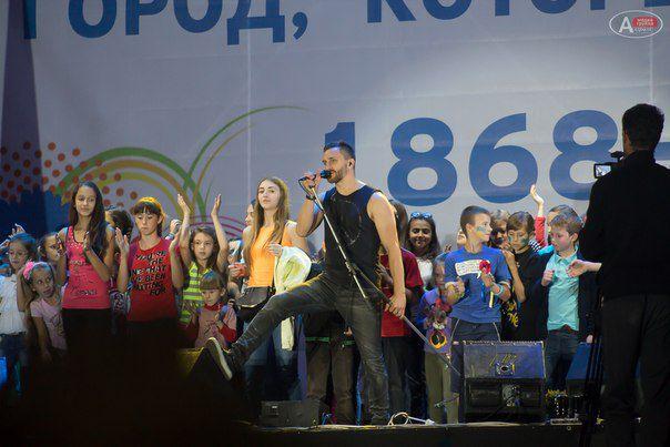 Но молодежь украинских рокеров знает и любит.