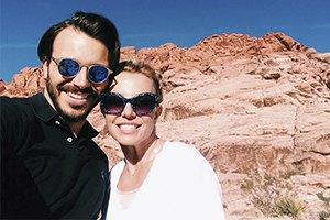 Возлюбленный Бритни Спирс пережил авиакатастрофу