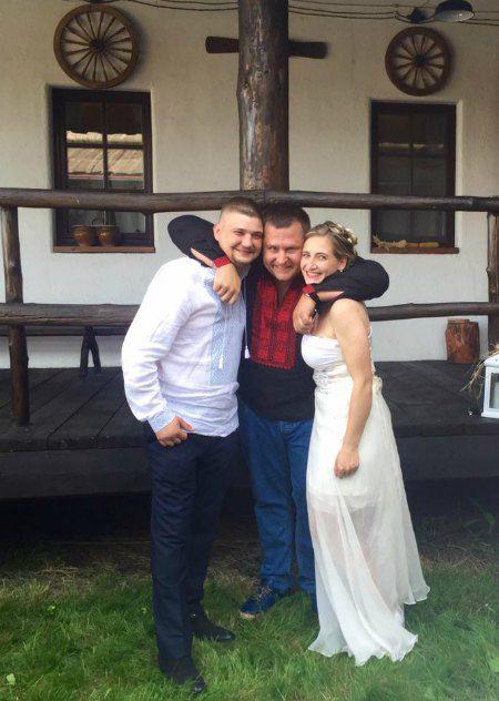 Борис Филатов (в центре) с Ириной Ярош и ее мужем