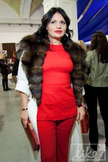 Ирэна Кильчицкая удивила ярко-красным нарядом