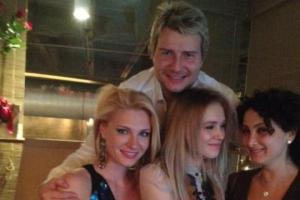 Басков провел День Валентина сразу с тремя девушками