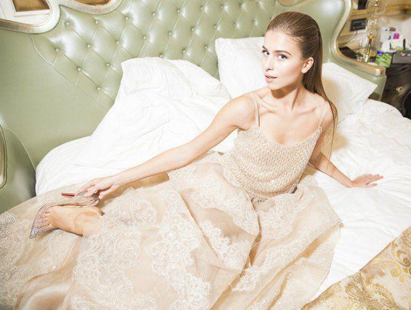 14-летняя внучка Ротару уже может позволить себе придти на бал в туфлях Christian Louboutin и платье от Armani