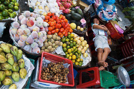 Вьетнам. Продавец фруктов
