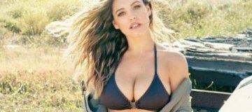 Актрису Келли Брук признали обладательницей идеальной фигуры