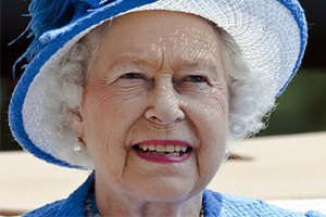 Елизавета II отправилась на каникулы в замок