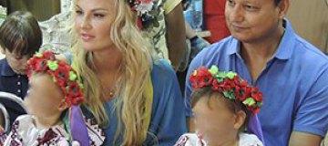 Камалия отпраздновала день рождения дочерей в лагере для беженцев
