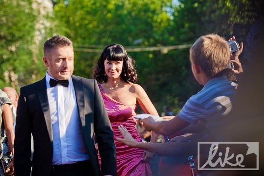 Ведущие церемонии - Алексей Суханов и Нонна Гришаева