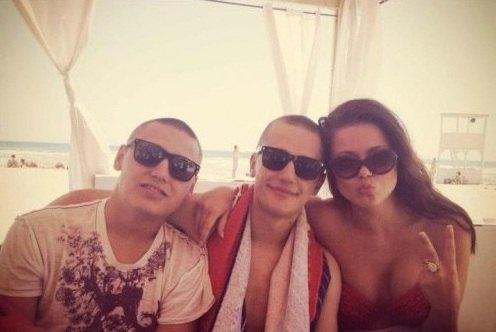 Алина Гросу с друзьями