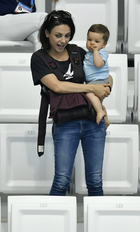 Мила Кунис с сыном Димитрием