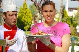 Клочкова в Турции приготовила кебаб