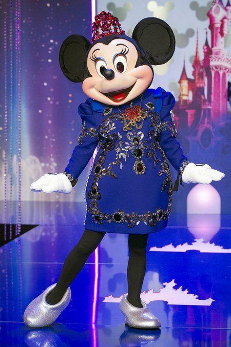 Минни Маус в платье от Lanvin