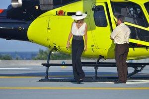 На поиски директора Лобода отправила вертолет
