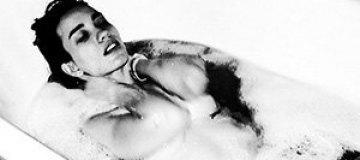 Дайнеко шокировала откровенным фото в ванной