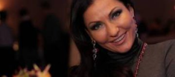 34-летняя Айсина советует женщинам колоть ботокс и делать пластику