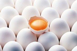 Житель Туниса умер съев 28 сырых куриных яиц