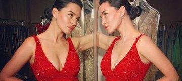 Даша Астафьева показала чудо-зад в эротической фотосъемке