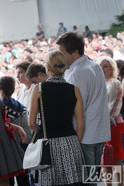 Алексей Порошенко пришел на фестиваль с девушкой
