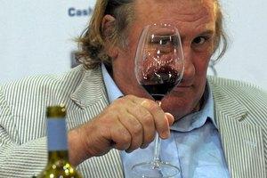 Жерар Депардье не покупал виноградники в Крыму