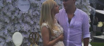 Тоня Матвиенко примерила свадебное платье