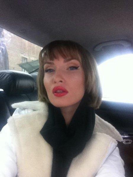 Иванна любит фотографировать себя на мобильный и загружать в соцсети