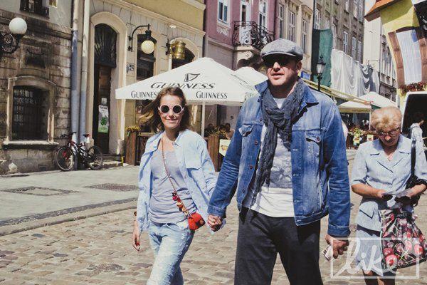 Ксения и Максим гуляли по центру Львова