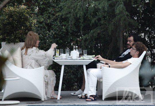 Алла Пугачева провела вечер в компании экс-супруга и нынешнего мужа Максима Галкина