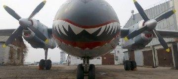 """В Киев прибыл самолет-акула из боевика """"Неудержимые"""""""