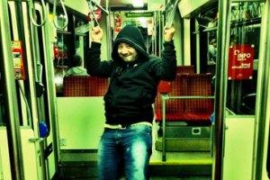 Галустян начал ездить в трамвае