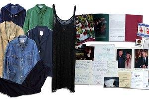 Вещи Моники Левински выставили на аукцион
