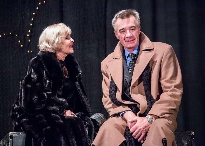 Ада Роговцева играет в одном из спектаклей